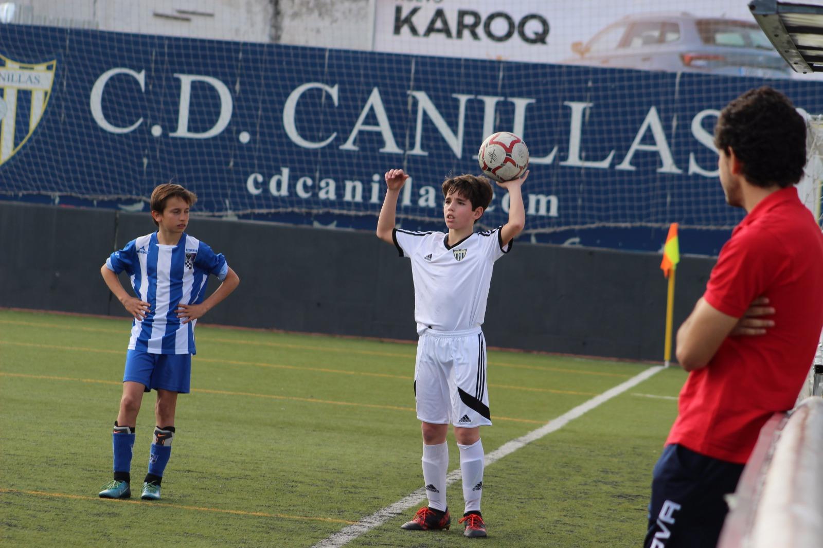 Lucas Domínguez del Infantil B participa en el Torneo Internacional FCBEScola