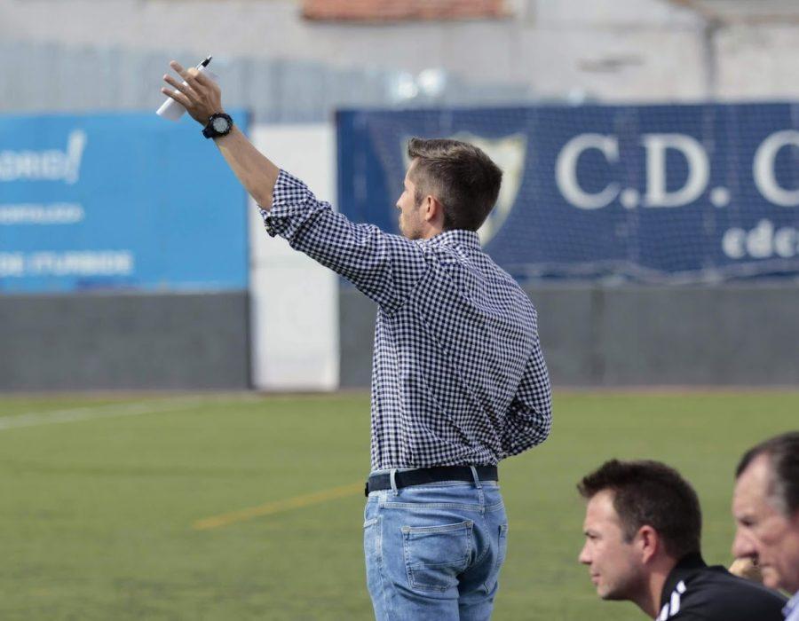 Jesús Lucas deja de ser entrenador del Primer Equipo del Canillas